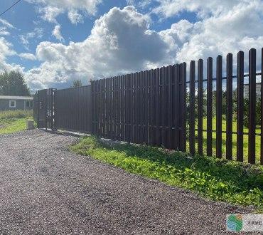 Забор из евроштакетника в п. Ропша в Ломоносовском районе (Лен.область)