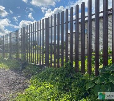 Забор из евроштакетника в п. Ропша в Ломоносовском районе (Лен.область) 4